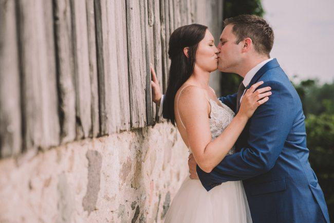 Toronto Candid Wedding Photographer